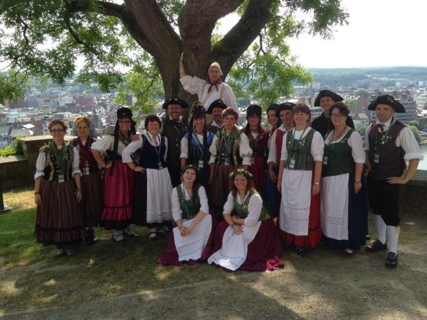 Die Thüringer Trachtengruppe Gotha auf der Zitadelle von Namur.