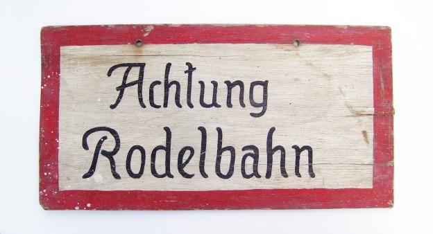 Achtung_Rodelbahn